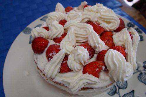 手作りイチゴショートケーキ