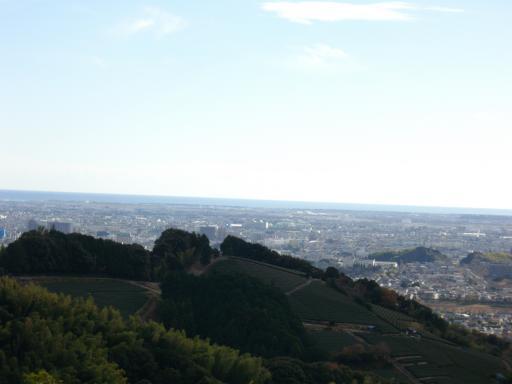 清水山に登る