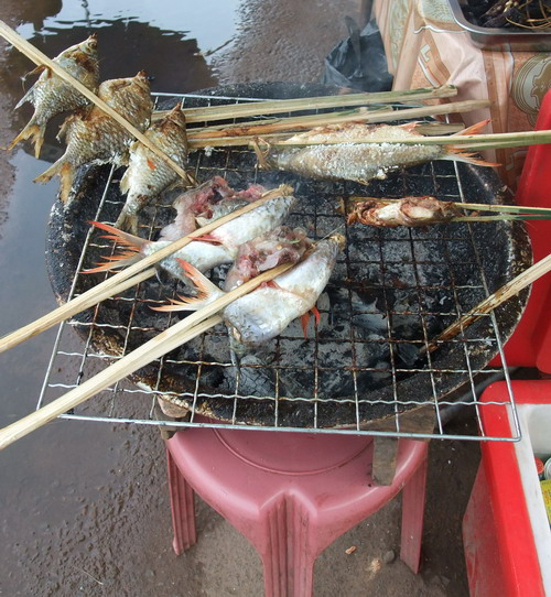 1-Laos food3