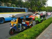 タイの自動車?