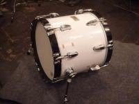b時安吉宏さん手作りバスドラム