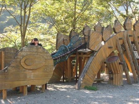 IMG_0038恐竜センター遊具