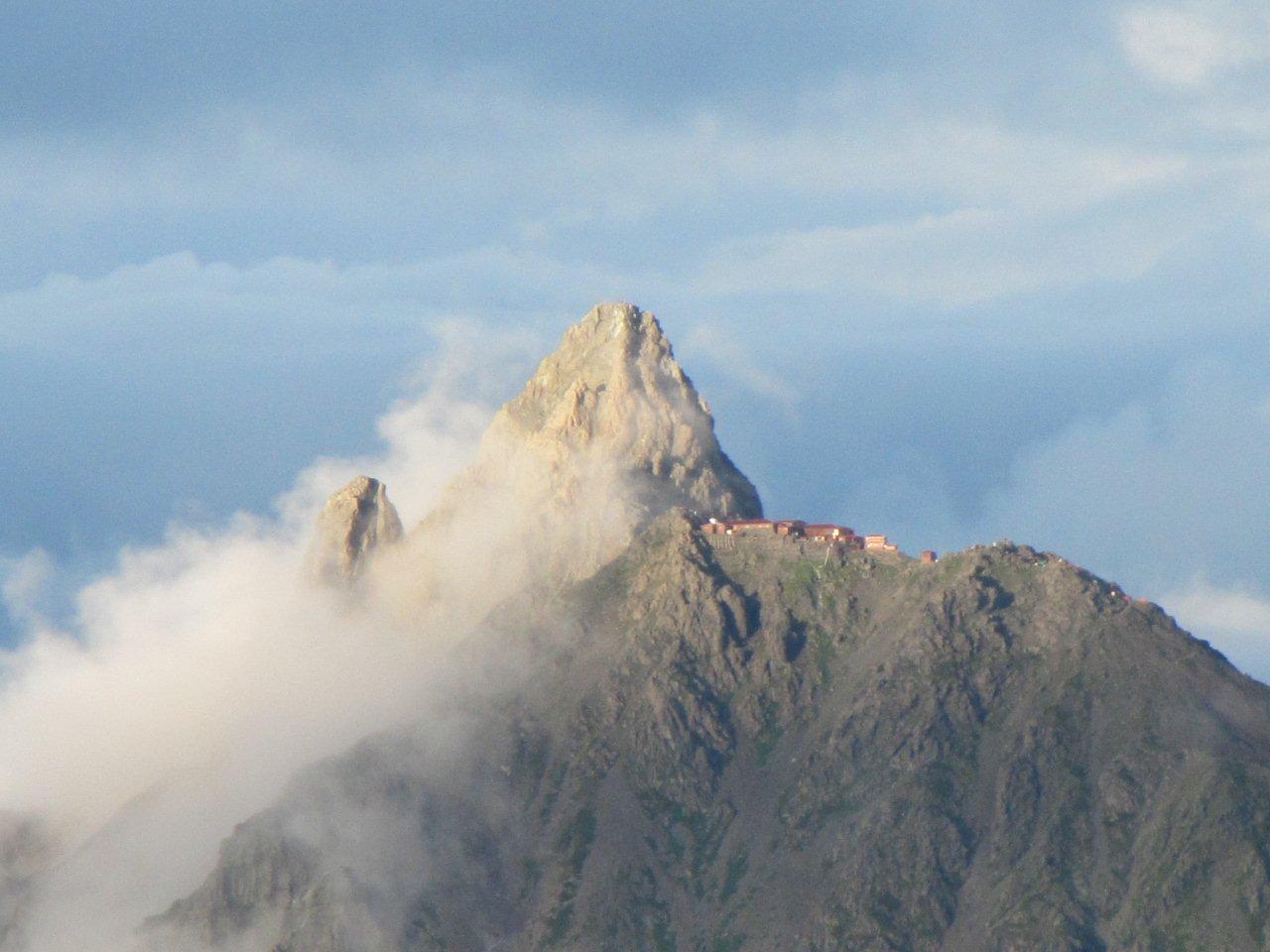 笠ヶ岳山荘から眺める槍の穂先
