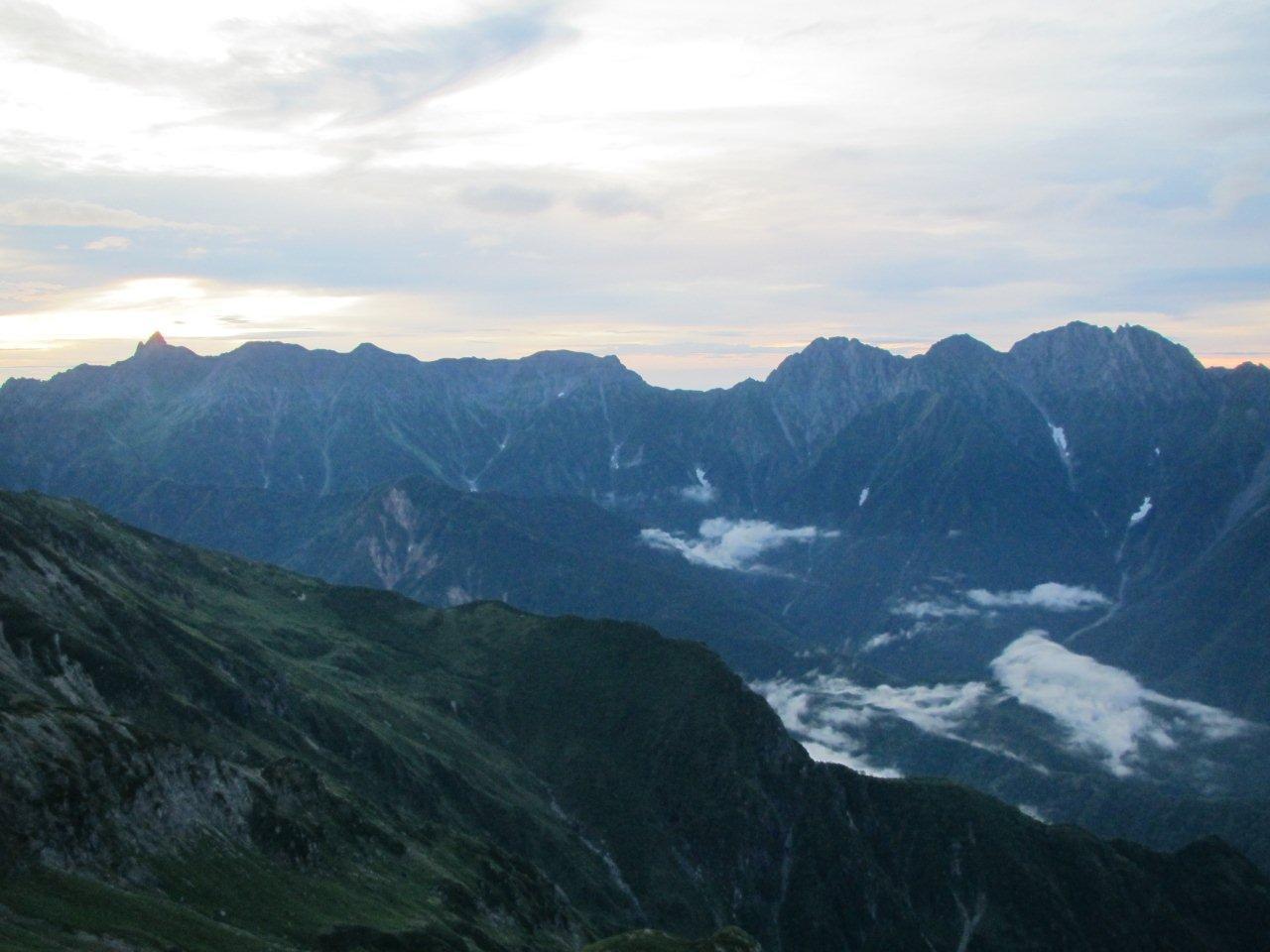笠ヶ岳山頂から眺める槍穂連峰