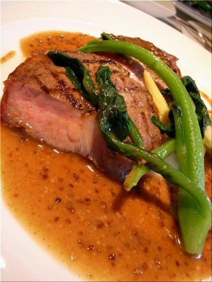 オーボナクイユ 肉料理
