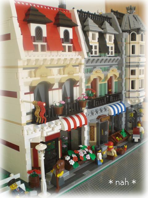LEGOFlowerShop21.jpg