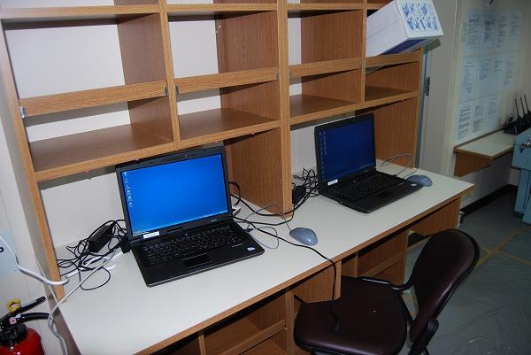 荷役制御室-事務用パソコン