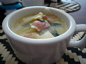 091107白菜とハムのクリームスープ