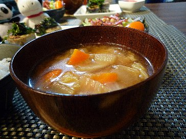 091116根菜の味噌汁