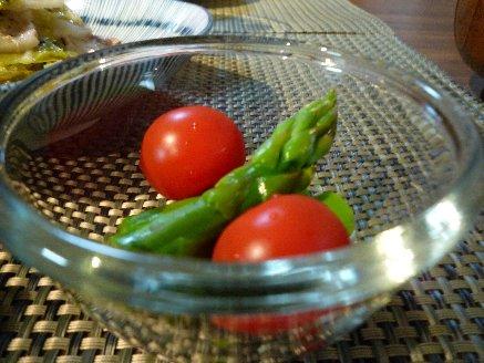 100527アスパラとトマト
