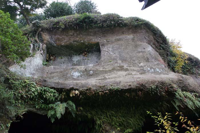 海蔵寺岩屋