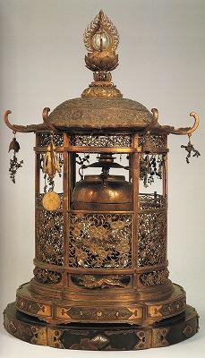 金銅透彫舎利塔