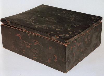 東大寺花鳥彩絵油色箱