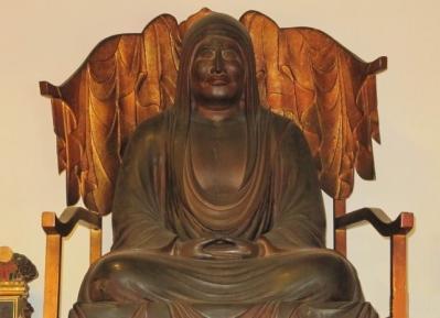 達磨大使坐像