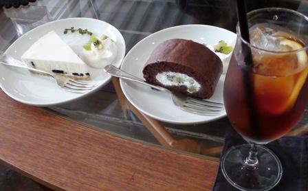 レアチーズケーキ&チョコケーキ