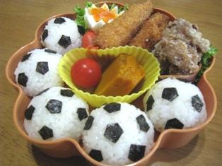 サッカーボール弁当
