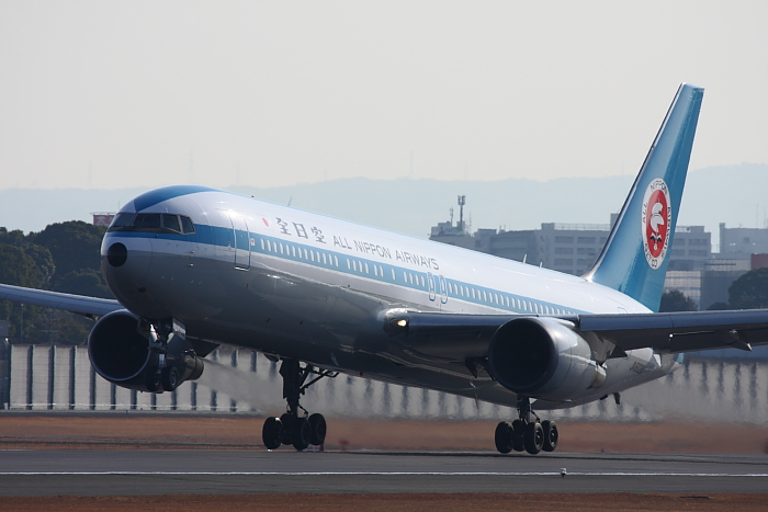 ANA B767-381 ANA543@伊丹スカイパーク(by 40D with EF100-400/4.5-5.6L IS)