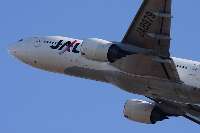 JAL B777-289 JAL106@リサイクルセンター周辺(by 40D with EF100-400/4.5-5.6L IS)