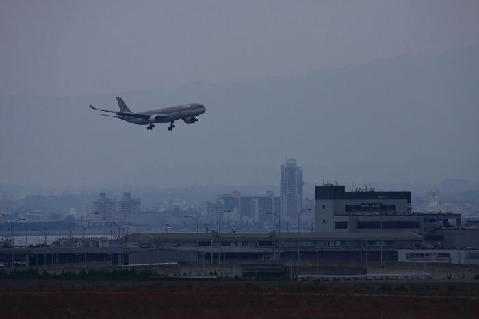 AAR A330-323 OZ112@関空二期島(by 40D with EF100-400/4.5-5.6L IS)