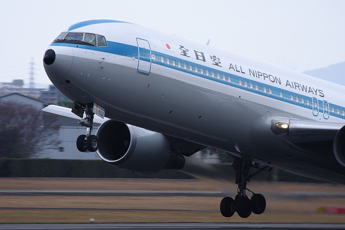 ANA B767-381 ANA28@伊丹スカイパーク(by 40D with EF100-400/4.5-5.6L IS)