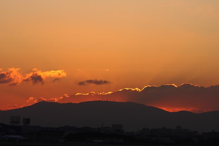 今日の日の出前@RWY14Rエンド・猪名川土手(by 40D with EF100-400/4.5-5.6L IS)