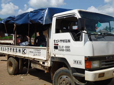 ザンビアの車3