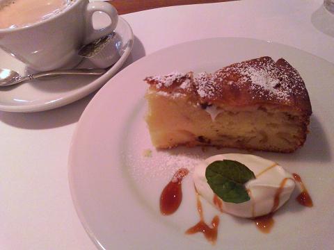 紅玉りんごとラムレーズンのパウンドケーキ