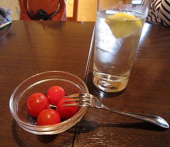 トマトのサービス付き