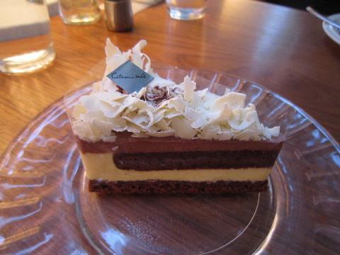 食後にケーキ