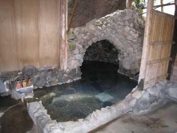 家族風呂洞窟温泉