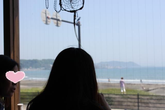 海を眺めながらランチ