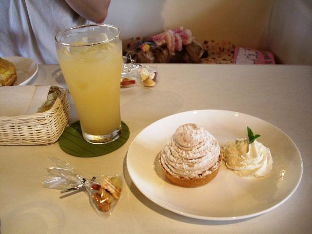 グレープフルーツジュースとモンブラン