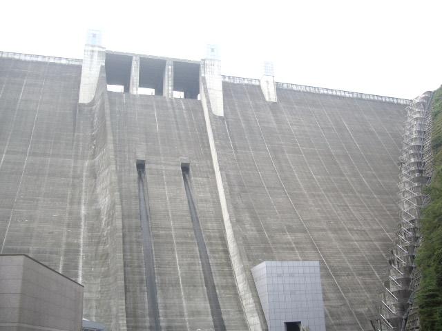 大きいダム