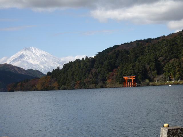 富士山雪かぶってます