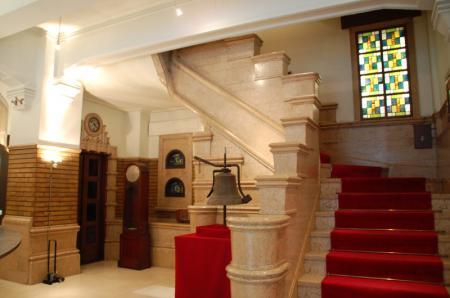 生駒ビル1階