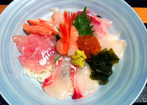 たくみの海鮮丼