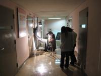 蛍光灯の光とタングステン光照明の写真