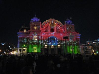 ライトアップされた中央公会堂