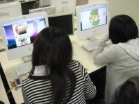 キャラクターデザイン学科の学生は、アナログとデジタルをバランスよく使いこなせるようになるカリキュラムで、ご覧のとおり制作出来るようになるのです。