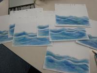 色鉛筆で波を描く8
