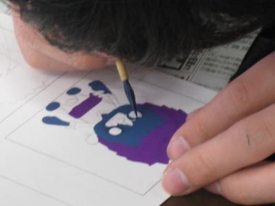紫色のキャラクター