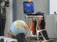 ケニアを印した地球儀