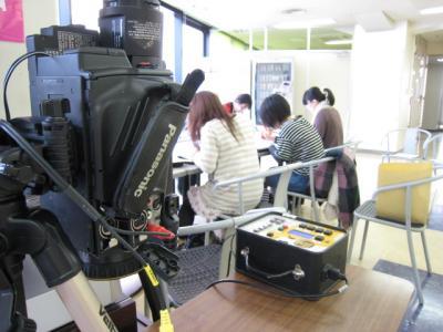 撮影機も学生ホールにセッティング