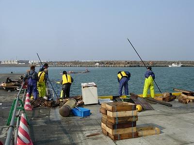 海上の漂流物の撤去