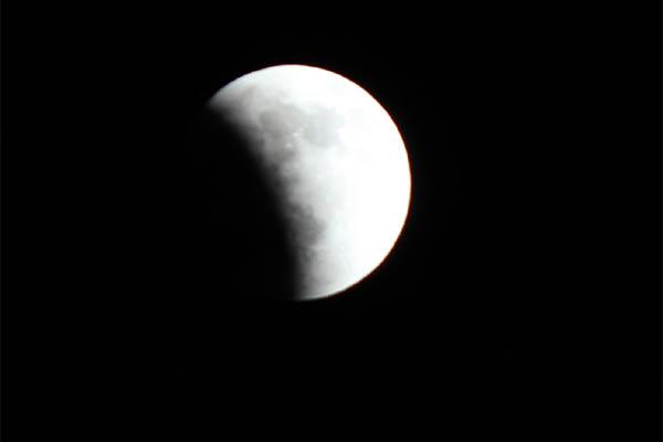 i_moon002.jpg