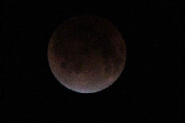 i_moon003.jpg