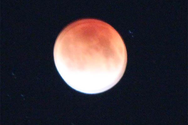 i_moon004.jpg