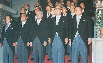 村山内閣のあと社会党は崩壊する