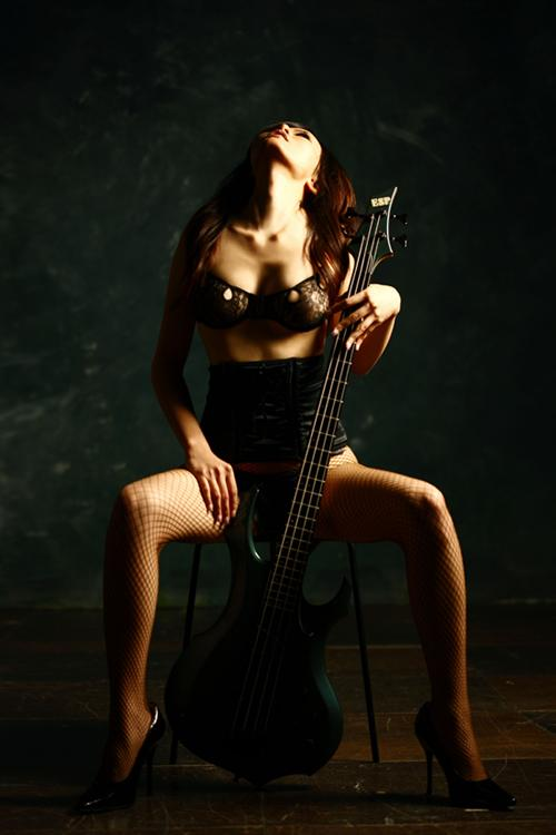 chthonic_doris_bass.jpg