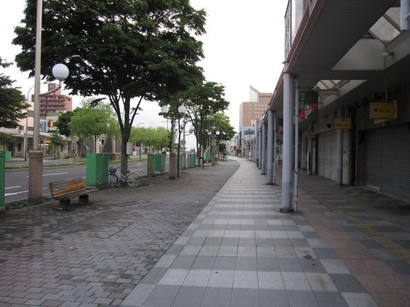 夏の柳町通り